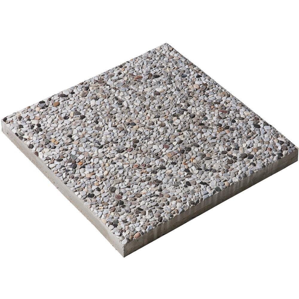 Un sentierino di servizio con piastrelle - Piastrelle di cemento da esterno ...